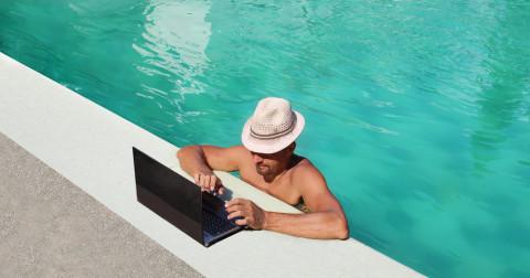 4 thói quen xấu trên mạng đang 'giết chết' năng suất làm việc của bạn