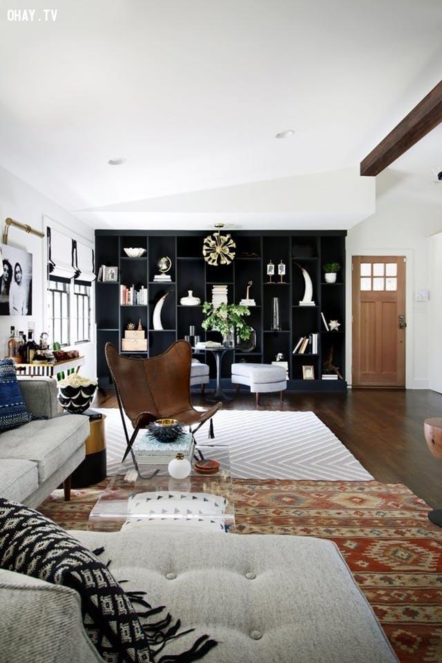 4. Trong nhà dùng nhiều thảm trải,dọn dẹp nhà cửa