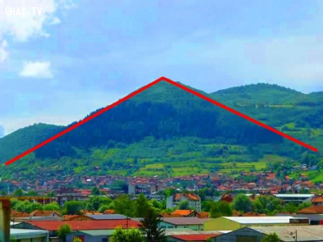 5. Kim tự tháp được xây dựng ở Bosnia trước Ai Cập,