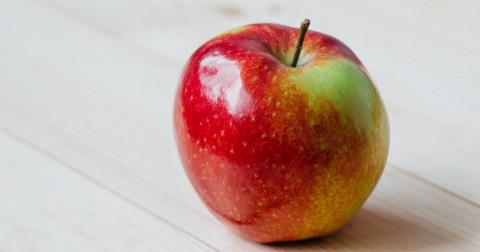 Một quả táo, thấu lòng người!