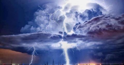 10 hiện tượng thiên nhiên kỳ lạ bạn có biết tại sao?