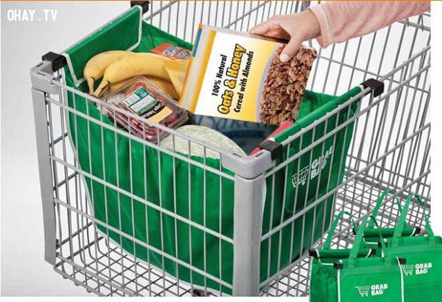 Các giỏ mua hàng đều quá lớn,mánh lừa của siêu thị,tâm lý học,nghệ thuật bán hàng,chiến lược bán hàng