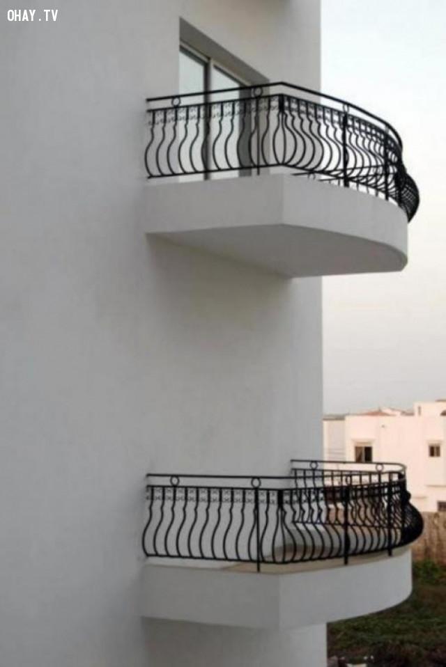 Chiếc ban công được thiết kế dành riêng cho Romeo?,thiết kế lỗi,thiết kế ngớ ngẩn