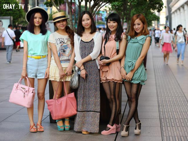 Họ thích sử dụng trang phục và phụ kiện dễ thương ,phụ nữ trung quốc,người trung quốc,những điều thú vị trong cuộc sống