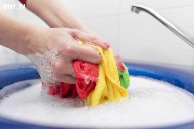 2. Lưu ý khi sử dụng nước xả vải,nước xả vải,giặt quần áo