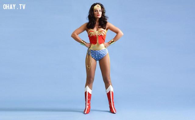 """5.Tư thế """"Nữ siêu anh hùng""""  (The Wonder Woman),làm thế nào để tự tin,kỹ năng sống,sự tự tin"""