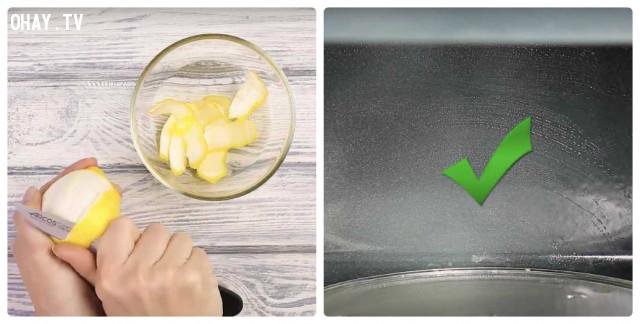 7. Làm sạch phần bên trong của lò nước và lò vi sóng,mẹo hay