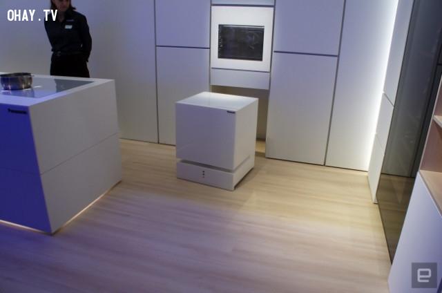 17. Tương lai cái tủ lạnh có thể tự động tiến đến chỗ chủ nhân khi được gọi.,phát minh hữu ích,người nhật bản