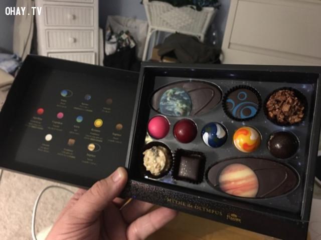 2. Họ còn có sô cô la với hình dạng của các tiểu hành tinh. Sẽ rất tiếc nếu bạn phải ăn chúng!,phát minh hữu ích,người nhật bản