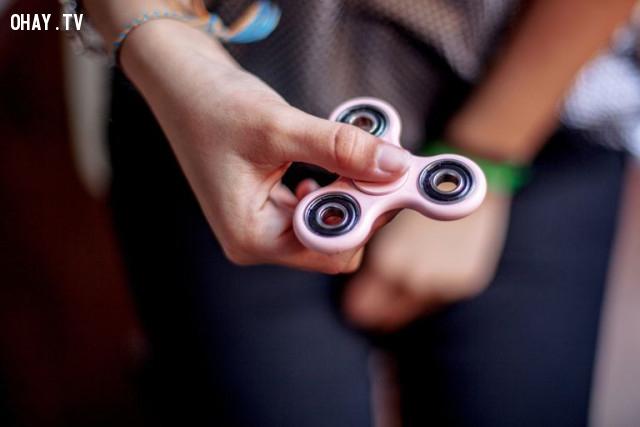 Fidget Spinner,phát minh kỳ quặc,ý tưởng táo bạo