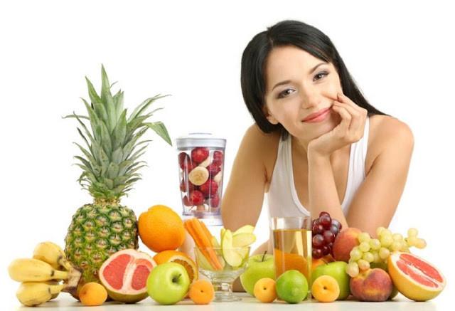 Sử dụng nước ép mùi tây kết hợp cùng ăn nhiều trái cây giúp điều hòa kinh nguyệt,