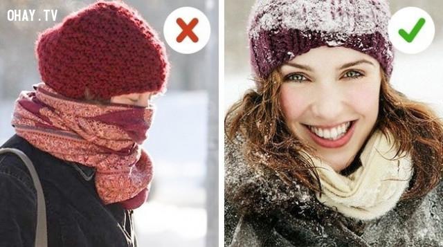 4. Dùng khăn che mũi và miệng,sống khỏe,trời lạnh