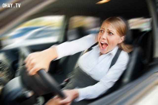 1. Dừng xe khi phanh hỏng,kỹ năng sinh tồn