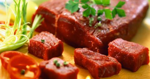 Hãy ăn thịt nhiều hơn khi bạn từ 18-29 tuổi để luôn yêu đời