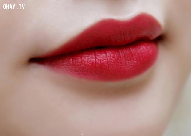 2. Son màu đỏ ruby,cách chọn màu son,son môi nào tốt,son môi đẹp