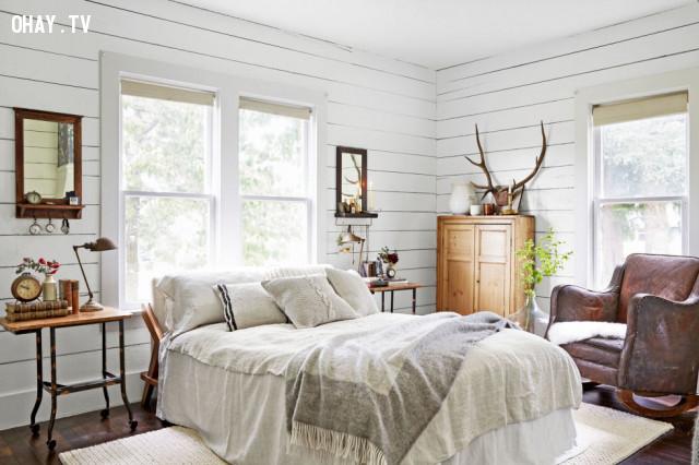 6. Tường ốp bằng vân gỗ trắng (White Shiplap),trang trí nhà cửa