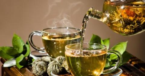 Điều gì tạo nên sự khác biệt giữa trà xanh và trà đen?