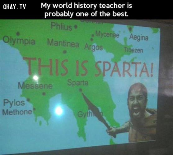 Thầy Lịch sử dụng hình ảnh minh họa hài hước cho bài giảng.,giáo viên hài hước,giáo viên tâm lý