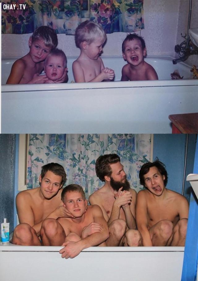 """""""Chúng tôi đã nhận được nhiều lời bình luận tích cực cho tấm ảnh bao gồm tôi, anh tôi và hai người anh em họ."""",ngày ấy bây giờ"""
