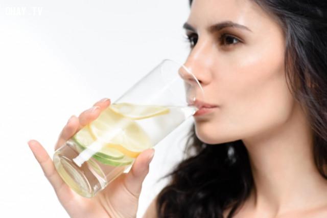 4. Nước chanh,thực phẩm tốt cho sức khỏe,thực phẩm tốt cho gan,sống khỏe