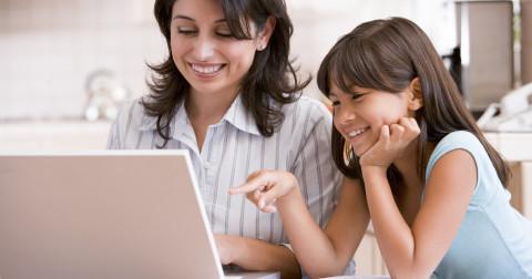 Những việc bố mẹ có thể làm để giữ con luôn an toàn khi online