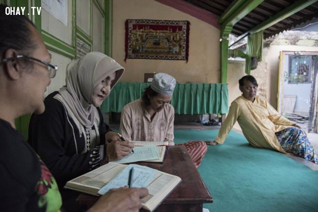 ,lbgt,Indonesia,waria