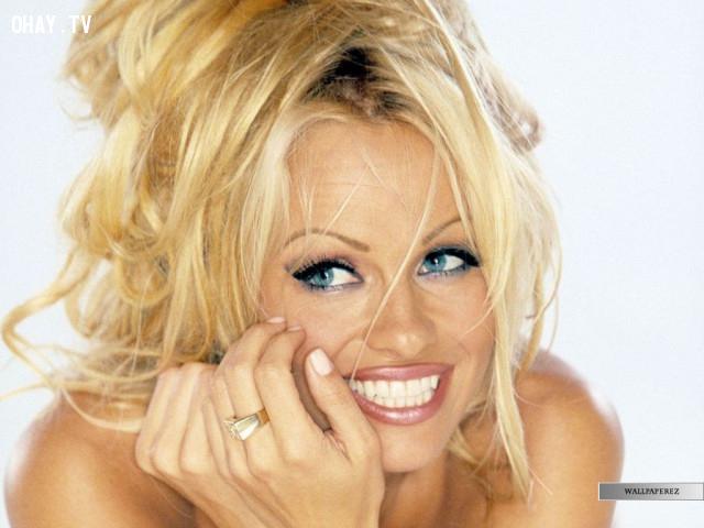 Pamela Anderson,câu nói ngu,người nổi tiếng