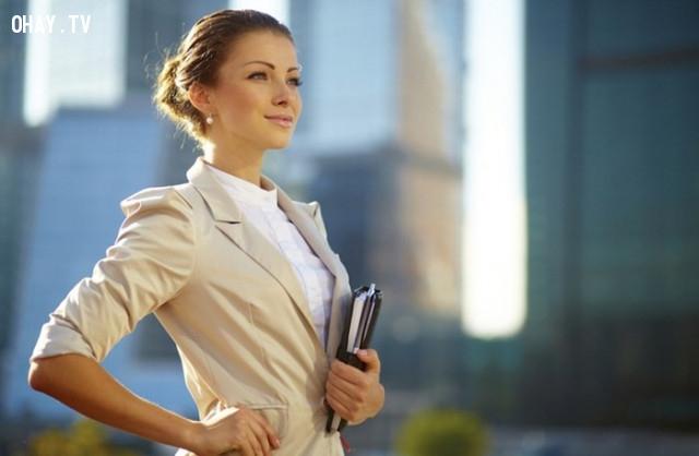 3.     Người phụ nữ quyến rũ là người phụ nữ tự tin. ,