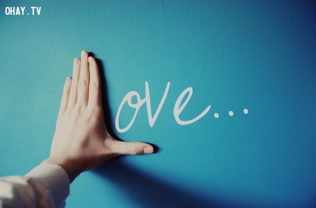 1.Yêu thương,cách sống tốt,hoàn thiện bản thân,hạnh phúc
