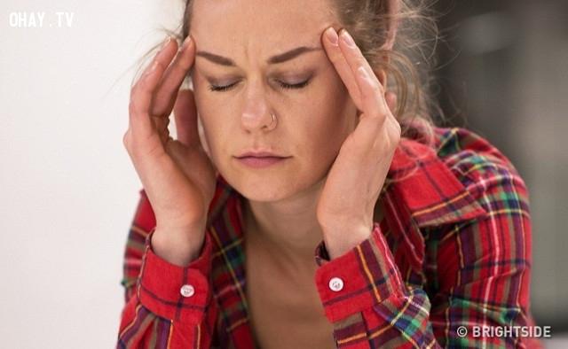 2. Nhức đầu thường xuyên,mất cân bằng hormon,dấu hiệu sức khỏe,phụ nữ nên biết