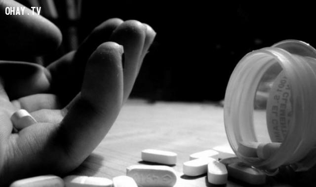 9. Có ý định tự tử,rối loạn đa nhân cách,tâm lý học