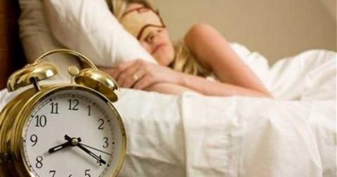 10 thói quen xấu gây ảnh hưởng đến sức khỏe mà bạn thường làm vào buổi sáng