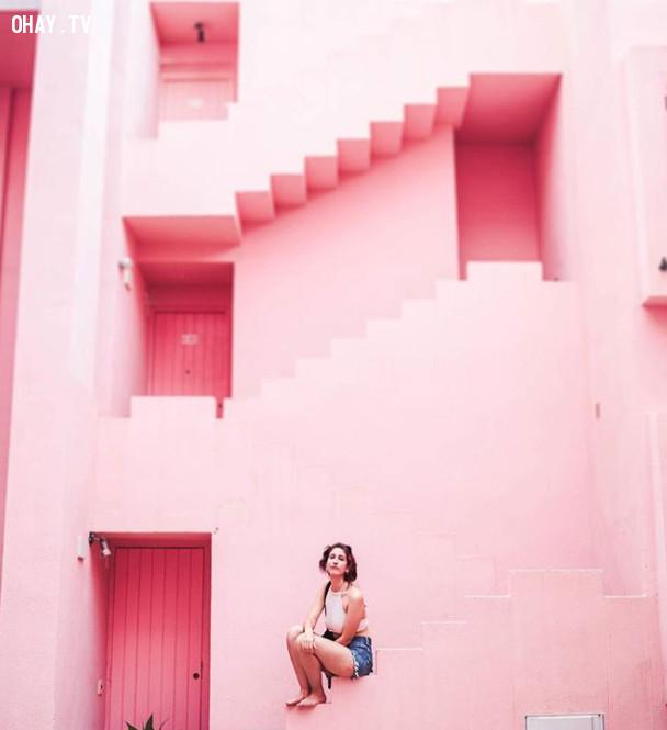 La Muralla Roja, Spain,màu hồng,địa điểm sống ảo