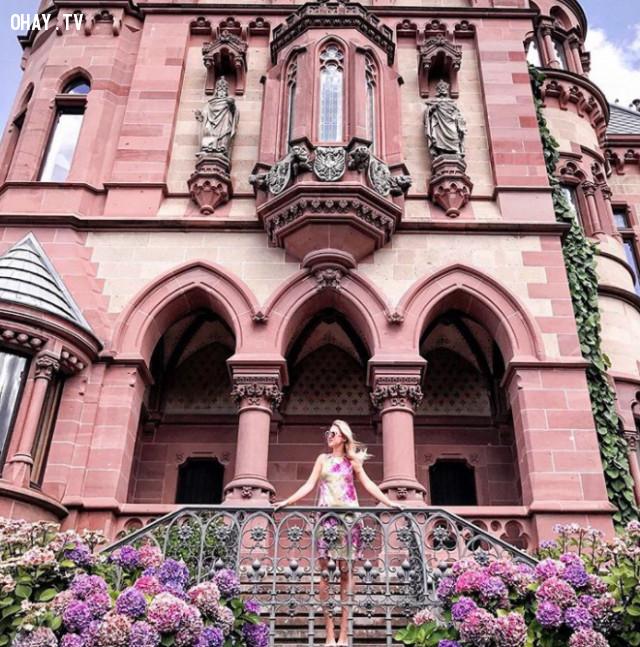 Schloss Drachenburg, Germany,màu hồng,địa điểm sống ảo