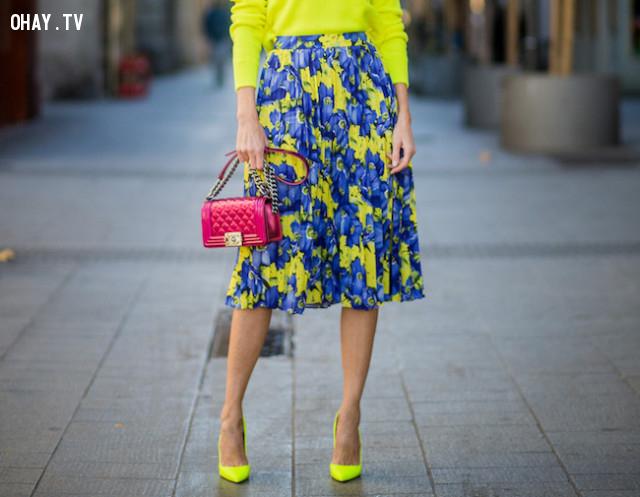 Giày cao gót bít mũi ngắn,cách ăn mặc,mẹo thời trang
