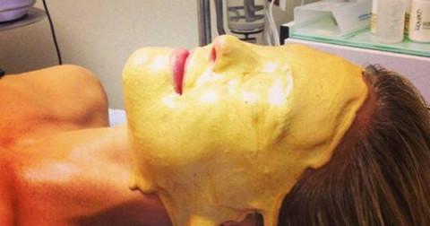 8 phương pháp chăm sóc sắc đẹp kỳ lạ ngây nghiện ở Hollywood