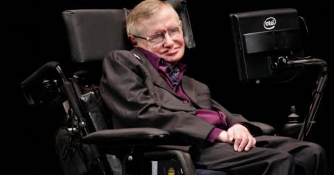 Giáo sư thiên tài Stephen Hawking qua đời ở tuổi 76