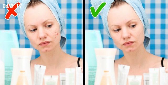 Phát ban trên mặt,thiếu vitamin,bổ sung vitamin