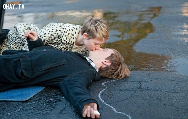 Restless - Câu chuyện tình yêu,phim hay,phim truyền cảm hứng,phim hay về cuộc sống