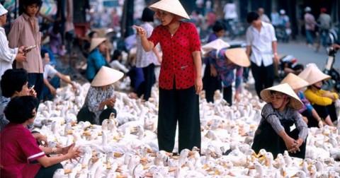 Những hình ảnh để đời về phụ nữ Việt Nam thập niên 1990