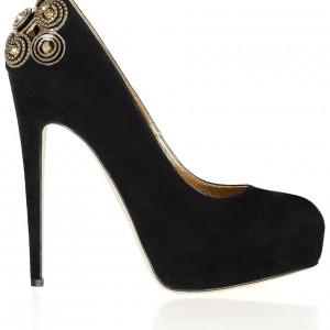 Giày thiết kế sang trọng