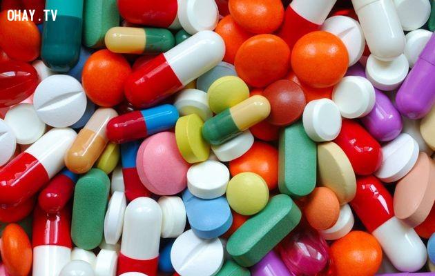 Tránh các loại thuốc gây ức chế,