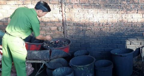 Kinh hoàng cà phê tẩm nhuộm chất độc từ viên pin