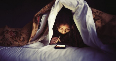 Tác hại của việc thức khuya, thiếu ngủ