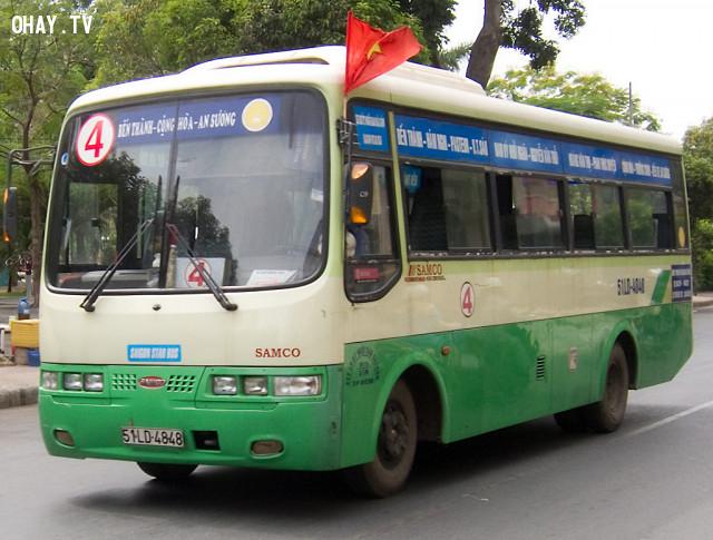 Thương người ,đi xe bus,xe buýt
