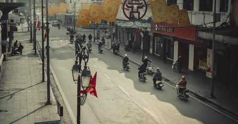 Bộ ảnh về một góc lặng của Hà Nội - Nét mộc mạc, gần gũi trong lòng thành phố xô bồ, náo nhiệt