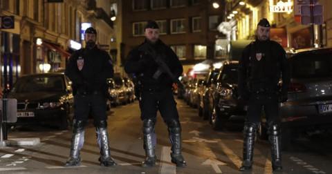 Vụ tấn công bằng dao ở Paris – Hung thủ liên quan đến tổ chức khủng bố ISIS