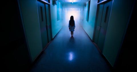 7 bộ phim kinh dị ám ảnh không nên xem một mình
