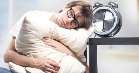 8 thói quen phổ biến bạn không nên làm vào buổi sáng