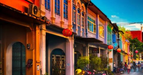 """""""Xuyên không"""" về những thập niên đầu thế kỉ 20 thông qua một Old Town Phuket – phiên bản Hội An hoài cổ"""